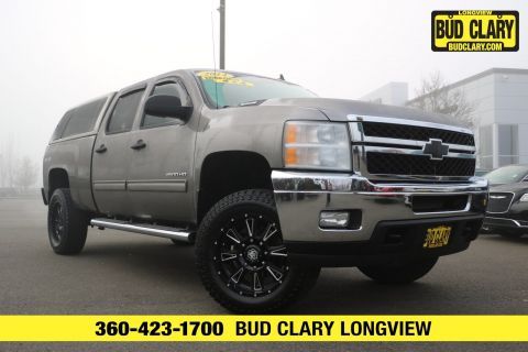 Pre-Owned 2014 Chevrolet Silverado 2500HD LT 4WD Crew Cab Pickup