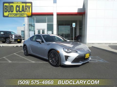 Certified Pre-Owned 2017 Toyota 86 RWD 2dr Car